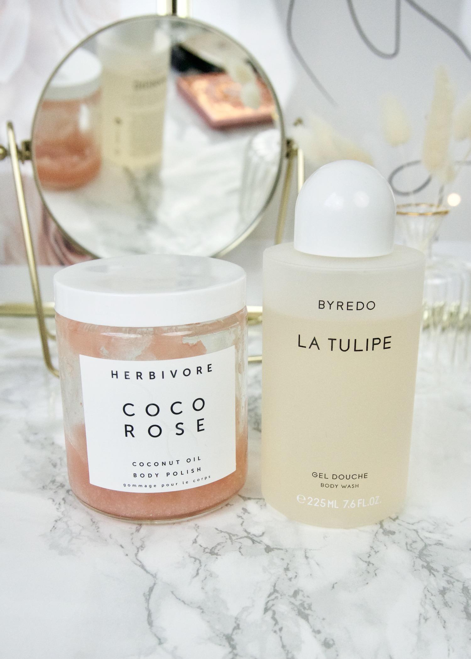 beauty favorieten lente Herbivore Botanicals Coco Rose body polish, Byredo La Tulipe gel douche